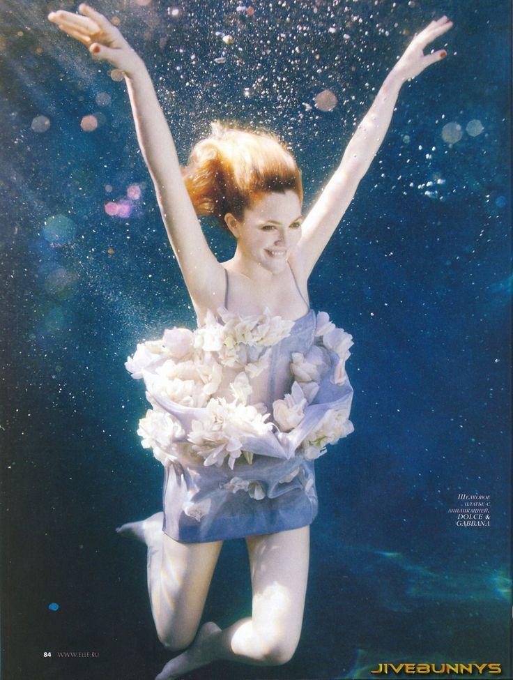 Drew Barrymore Underwater Magazine Cover Elle Magazine Best Fashion Magazines