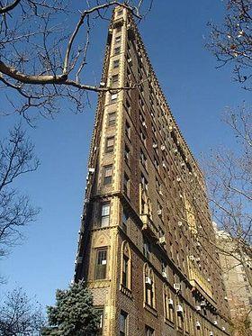 Rosario Candela S Striking Flatiron Building At 47 Plaza Street West Brooklyn New York New York Architecture Flatiron Building Architecture Details