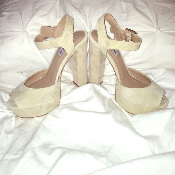 NWOT Steve Madden Platforms Gorgeous!!! Perfect nude color for summer  Steve Madden Shoes Platforms