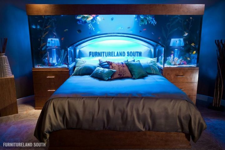 Aquarium Bed Part - 19: Awesome Aquarium Bed Lets You Sleep With The Fishes