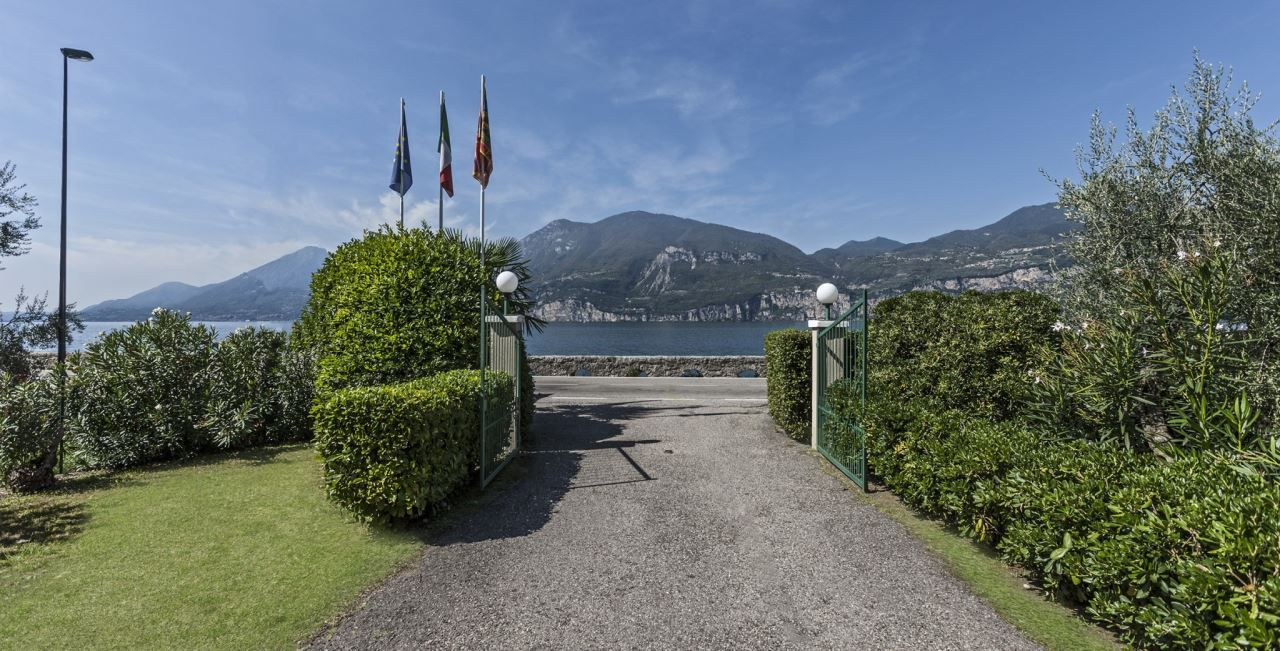 Bungalow Urlaub Am Gardasee In Brenzone Camping Primavera Gardasee Urlaub Gardasee Urlaub