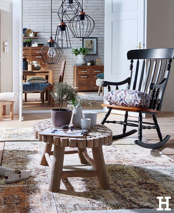 Wohnzimmer Im Hygge Stil Einrichten: Ein Gemütlicher Schaukelstuhl Für Ein Hyggeliges Zuhause