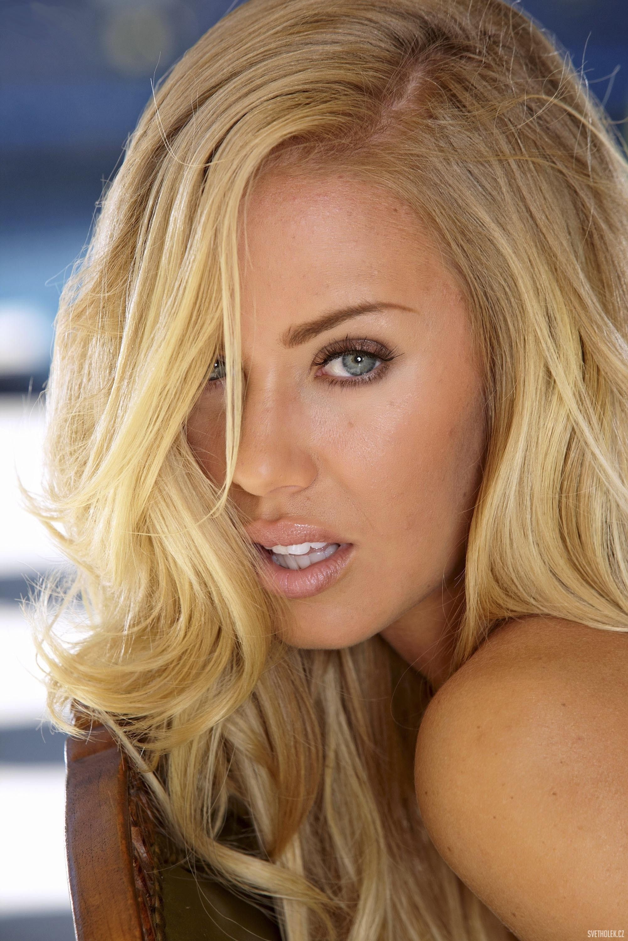 nicole aniston 3 nicole aniston in 2018 pinterest ashley nicole nicole miller and women. Black Bedroom Furniture Sets. Home Design Ideas