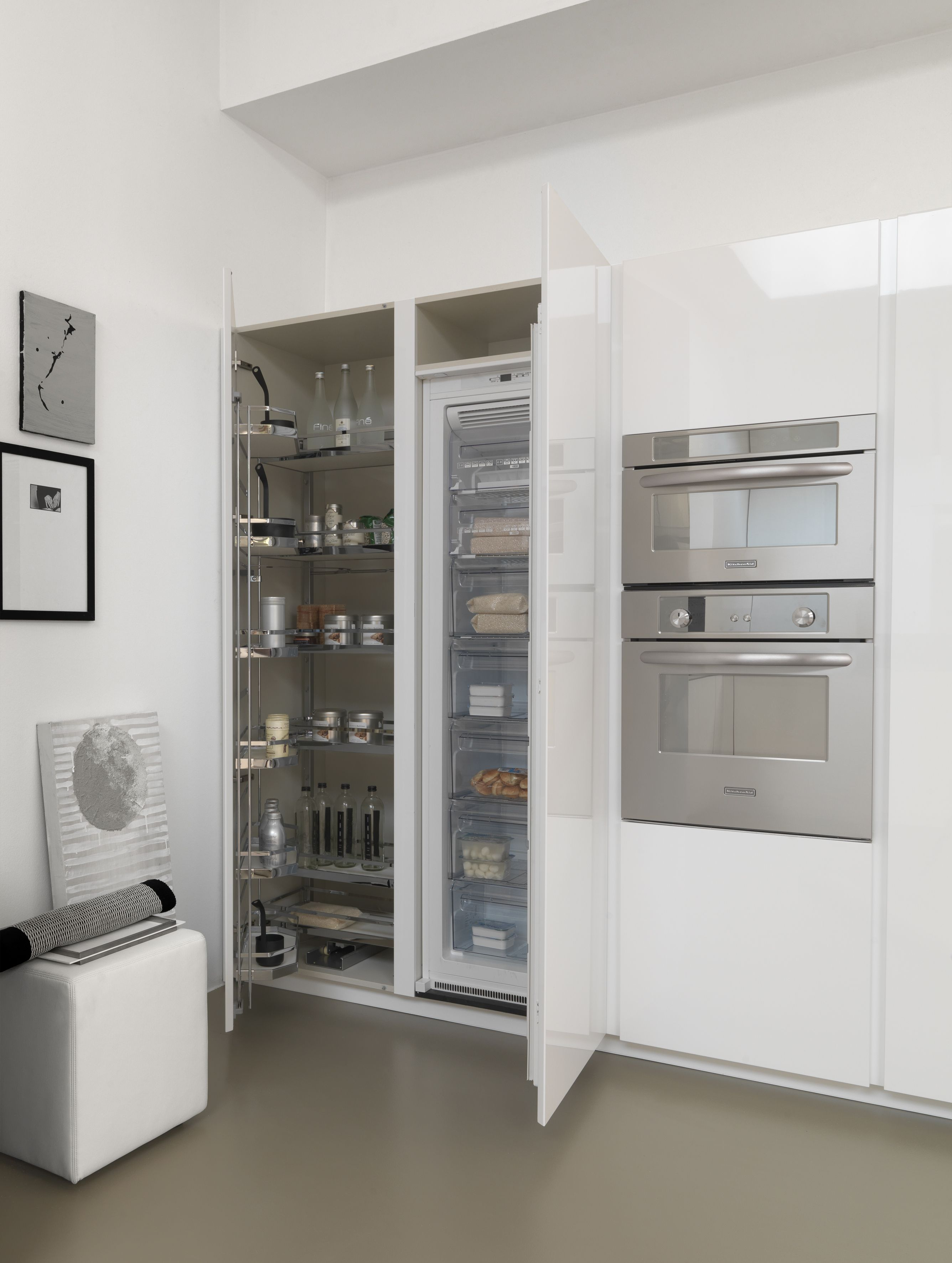 Twenty Glossy White Lacquer Tall Units With Fully Integrated