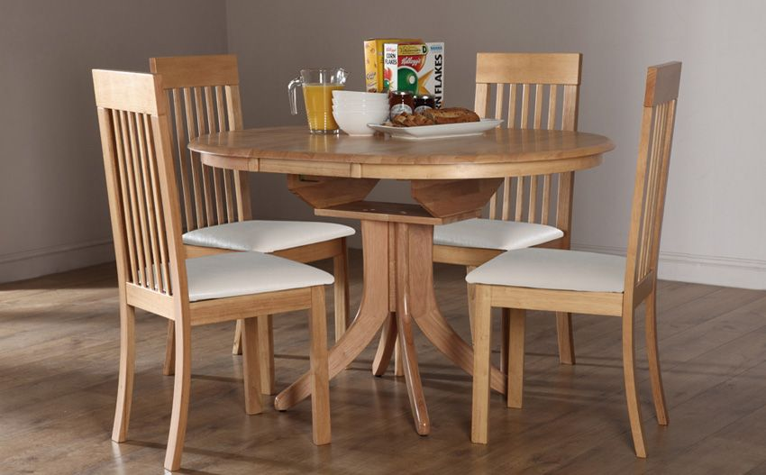 Hudson Round Oak Extending Dining Table With 4 Oxford