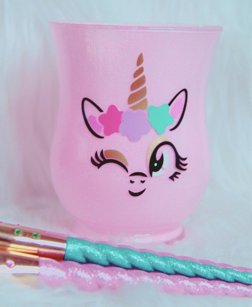 Photo of Wink unicorn brush holder
