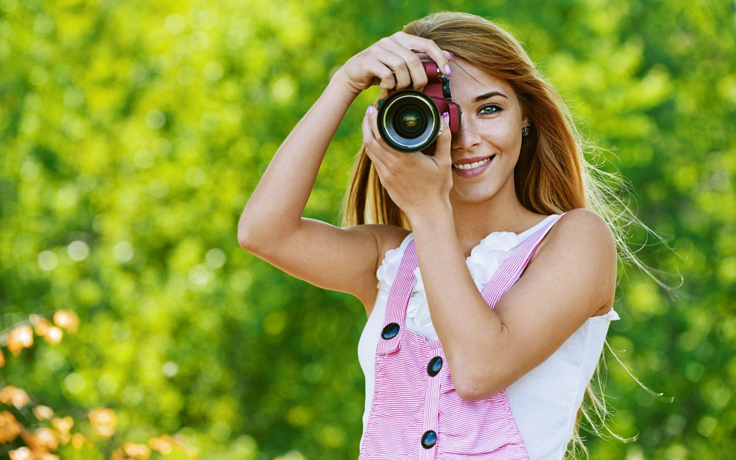Girl Dslr Camera Green Nature Bokeh Hd Wallpaper Cool Wallpapers