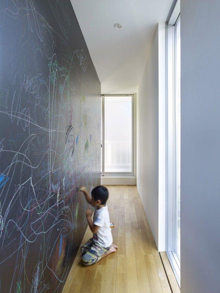 Blackboard wall in Pojagi House by MDS in Yokohama | Remodelista