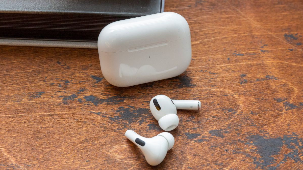 Apple Airpods Pro Review Surprisingly Good Noise Cancelling Smart Force Touch Sensor And Comfortable Fit Make Them Best Wi Airpods Pro Earbuds Apple Headphone