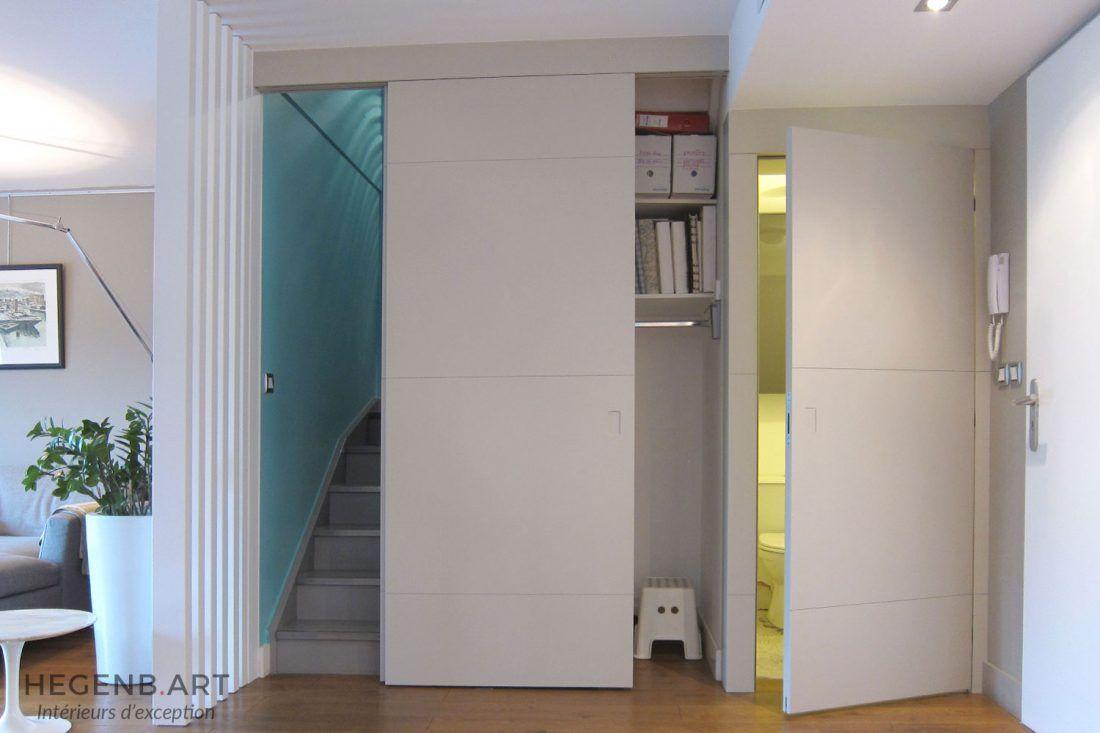 Aménagement entrée sur mesure avec porte pour escalier, placard de ...