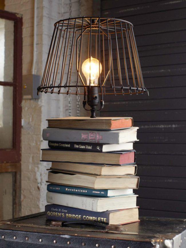 Recycling Basteln Ideen Upcycling Bucherstapel Lampe Lampenschirm Buchlampe Selbstgemachte Lampen Tischlampen