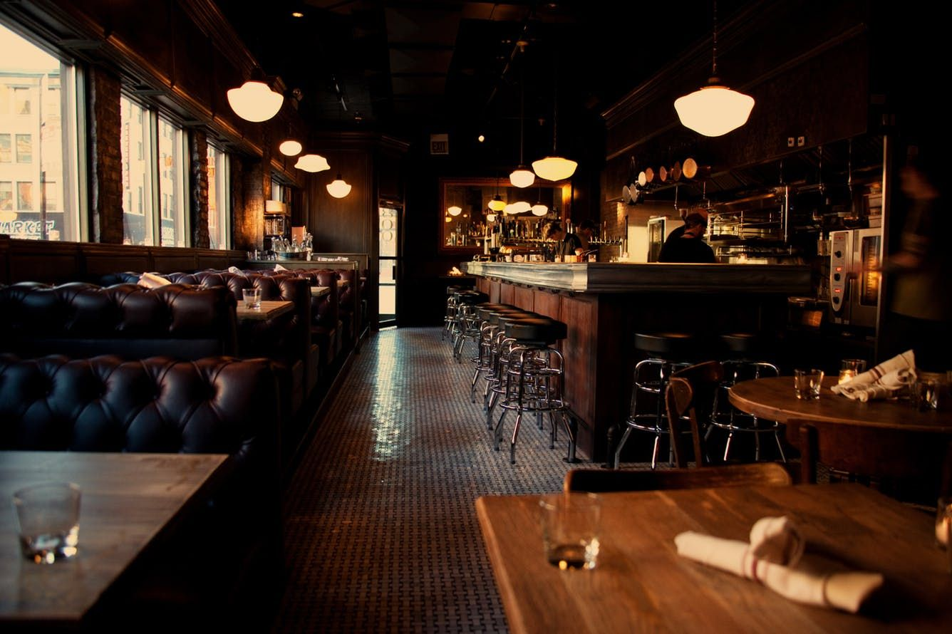 Where To Take Your Out Of Town Friends To Eat In Chicago Chicago Chicago Restaurants Chicago Bars Restaurant