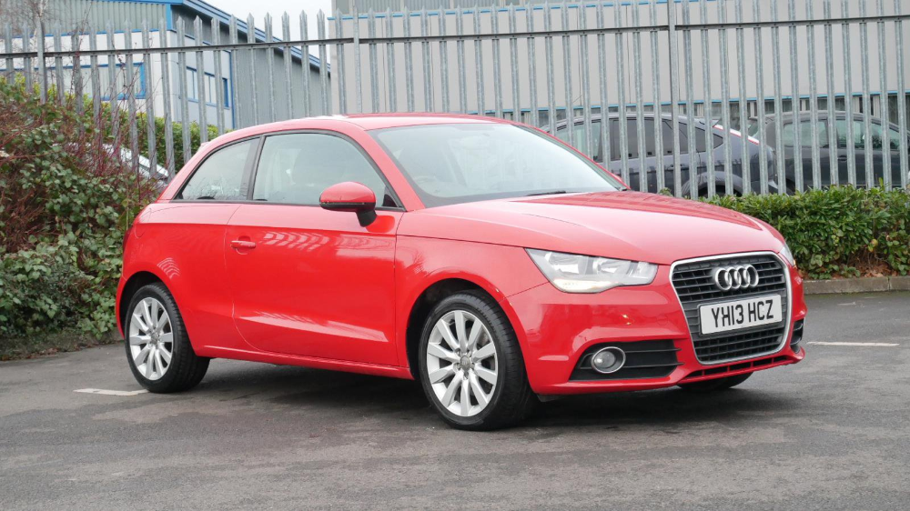 7799 Used Audi A1 1 4 Tfsi Sport 3dr Red Yh13hcz Wakefield In 2020 Used Audi Red Audi Car Features