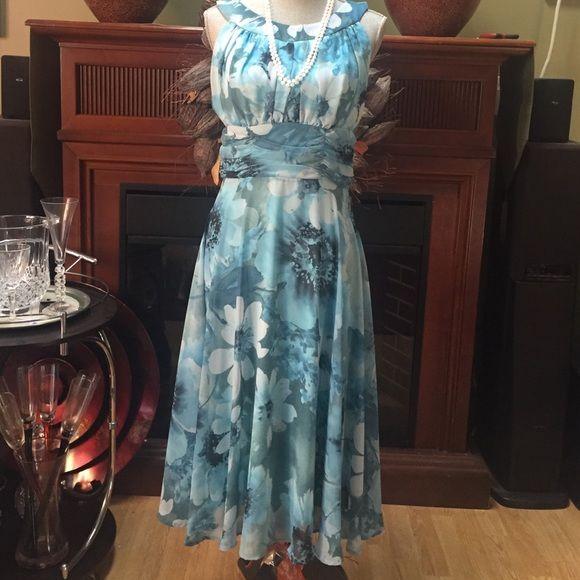 NWOT must buy, so gorgeous! Dress Barn Dresses