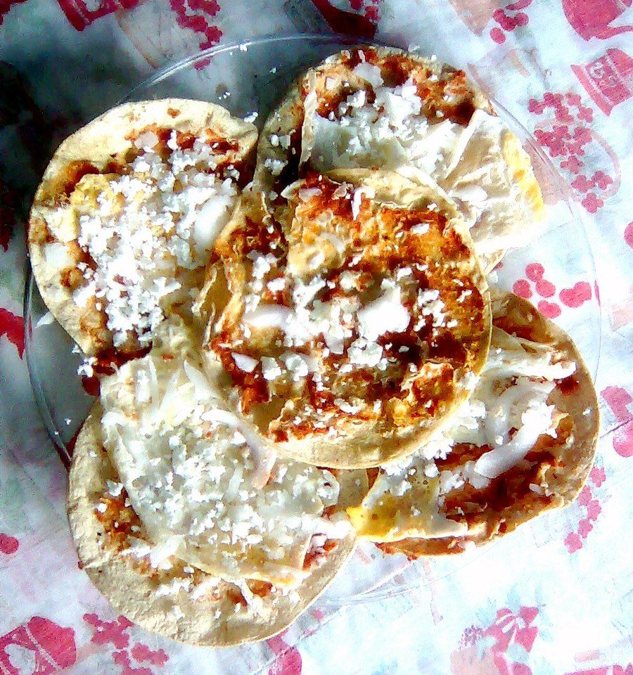 """Mexican food / Comida mexicana. """"Gorditas / memelas ..."""