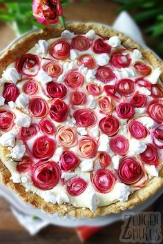 Photo of Tarta de ruibarbo / tarta de rosas con crema de requesón – tongue circus