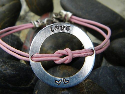 Love knot bracelet - customizable
