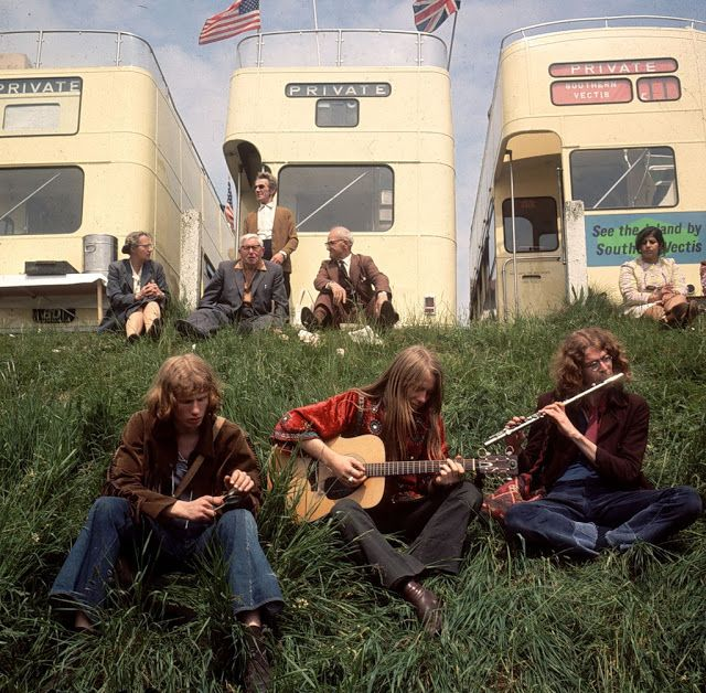 Hippie Fashion From the Late 1960s to 1970s Is a History Lesson – hippie☆〜