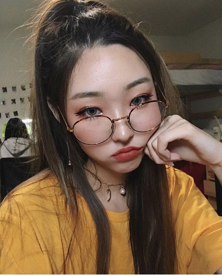 be5c2f1dcbd32c Alice Kim! She has really nice makeup vids on YouTube and she s so ...