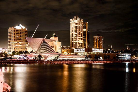 Milwaukee Skyline Milwaukee Art Museum Full Color Gloss Etsy In 2021 Milwaukee Skyline Milwaukee Art Museum Skyline