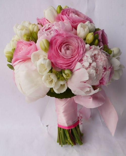 Cena Piwonii W Czerwcu Szukaj W Google Flower Bouquet Wedding Pink Bouquet Bridal Bouquet