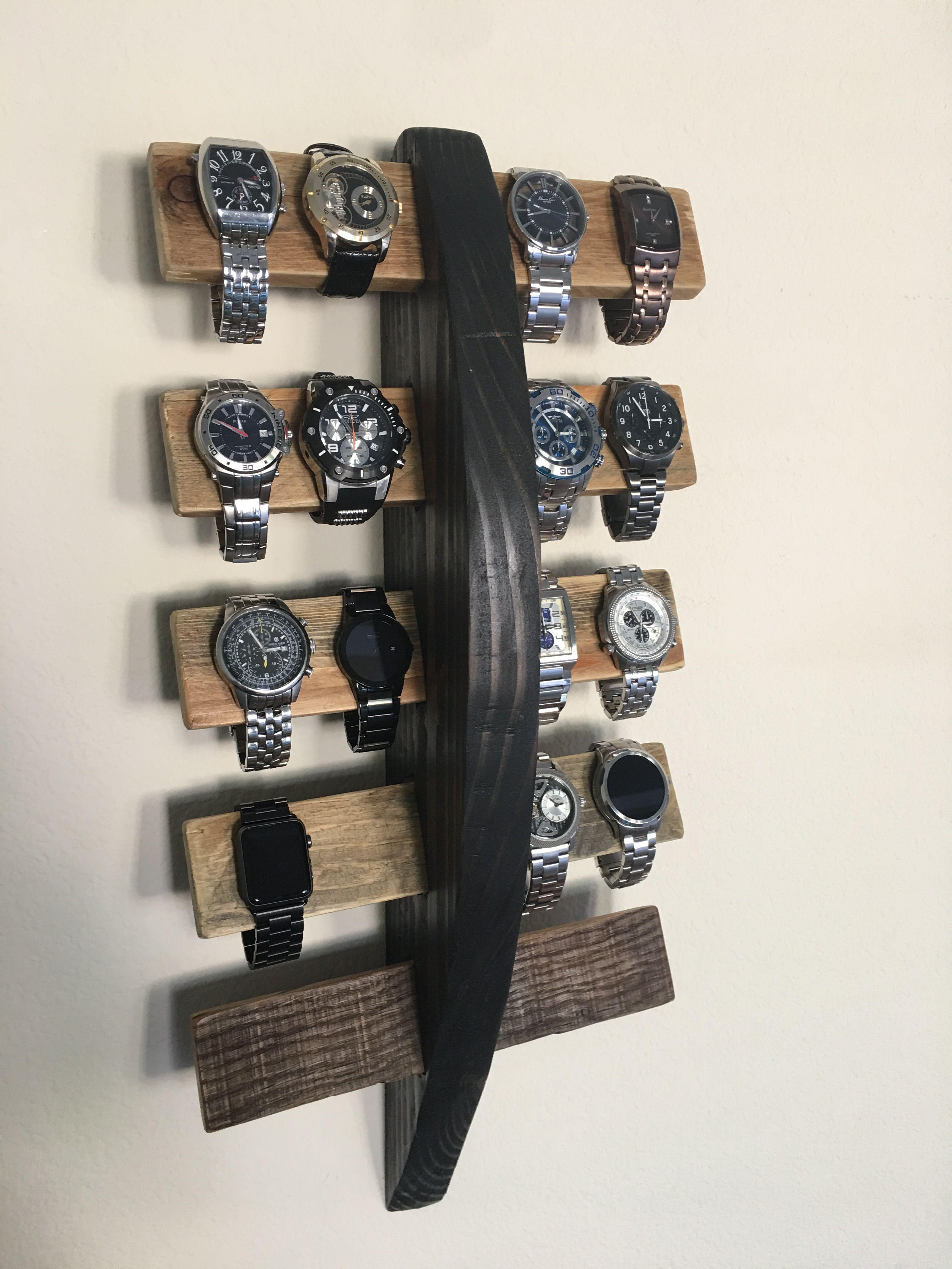 Two Great Pallet Wood Projects For Re Purposing Old Pallets Organizador De Relojes Armario De Joyas Decoracion Con Estibas