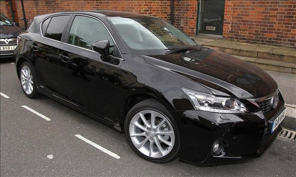 Lexus CT 200h Kylie Minogue Celebs & Their Eco