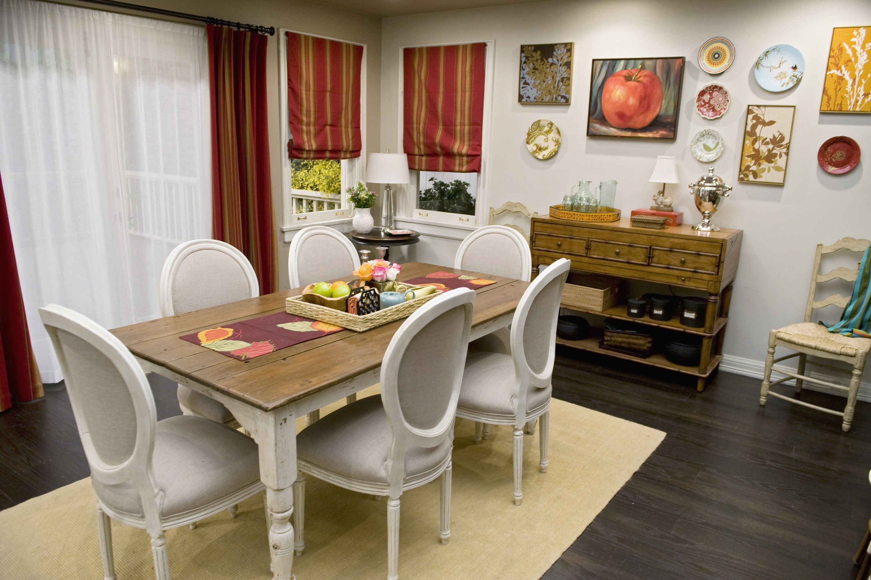 Modern family room furniture - Dining Room From Modern Family Set Like The Wall Eclectic Mix Of