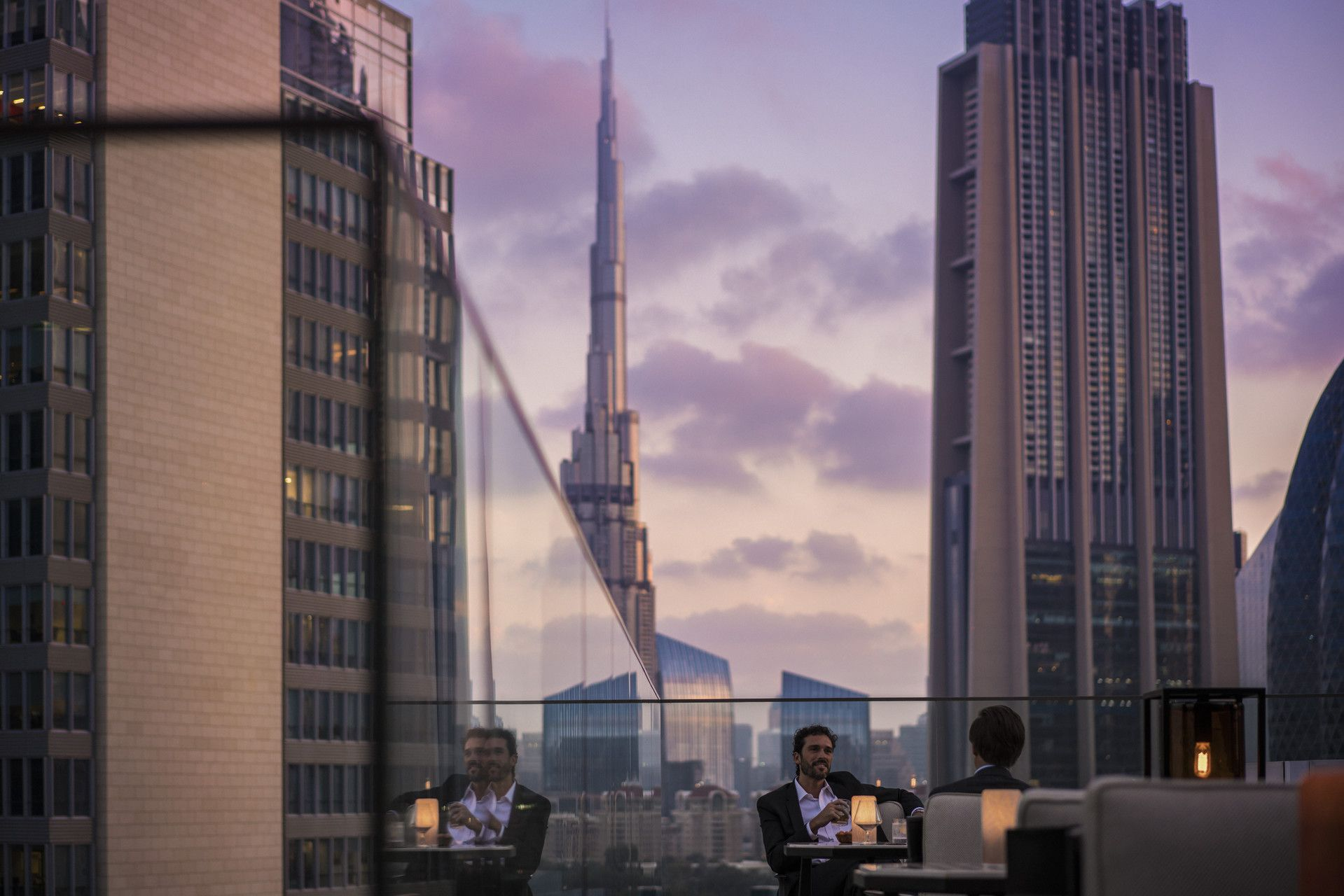Drinks With A View At Luna Sky Bar Four Seasons Hotel Difc Dubai Four Seasons Hotel Luxury Rooms Dubai