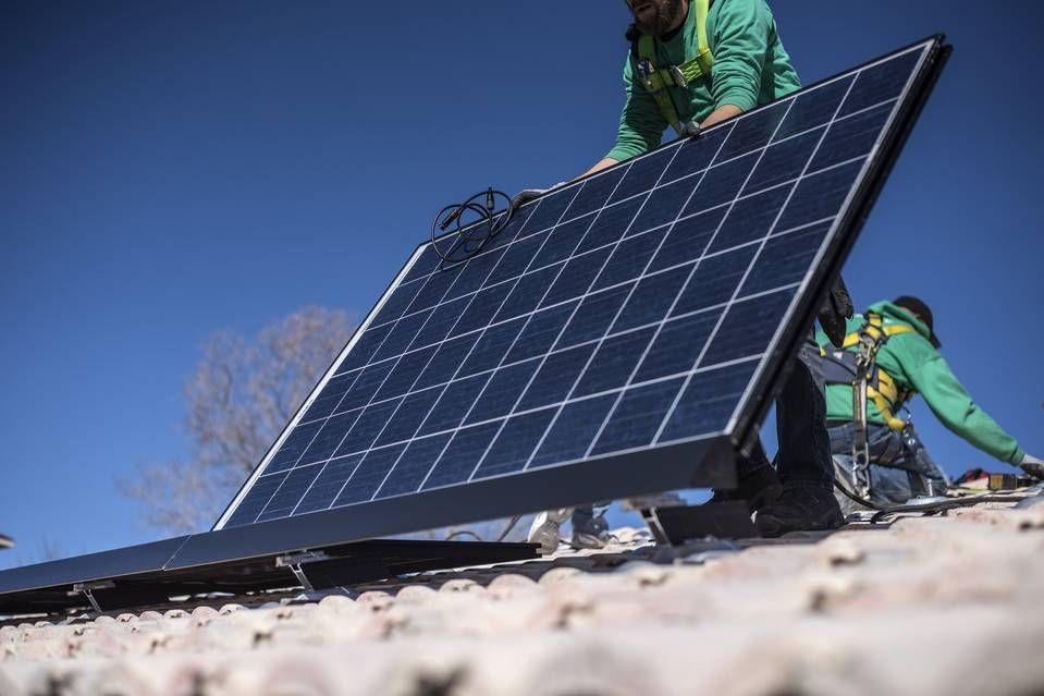 Dealpolitik SolarCity Snafu Casts More Doubt on Fairness