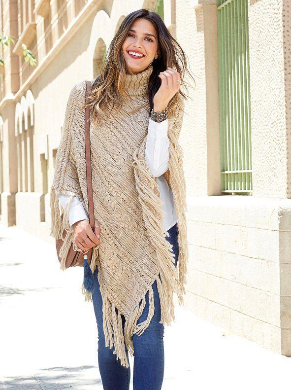Jersey poncho para señora de cuello alto con trenzas y flecos largos