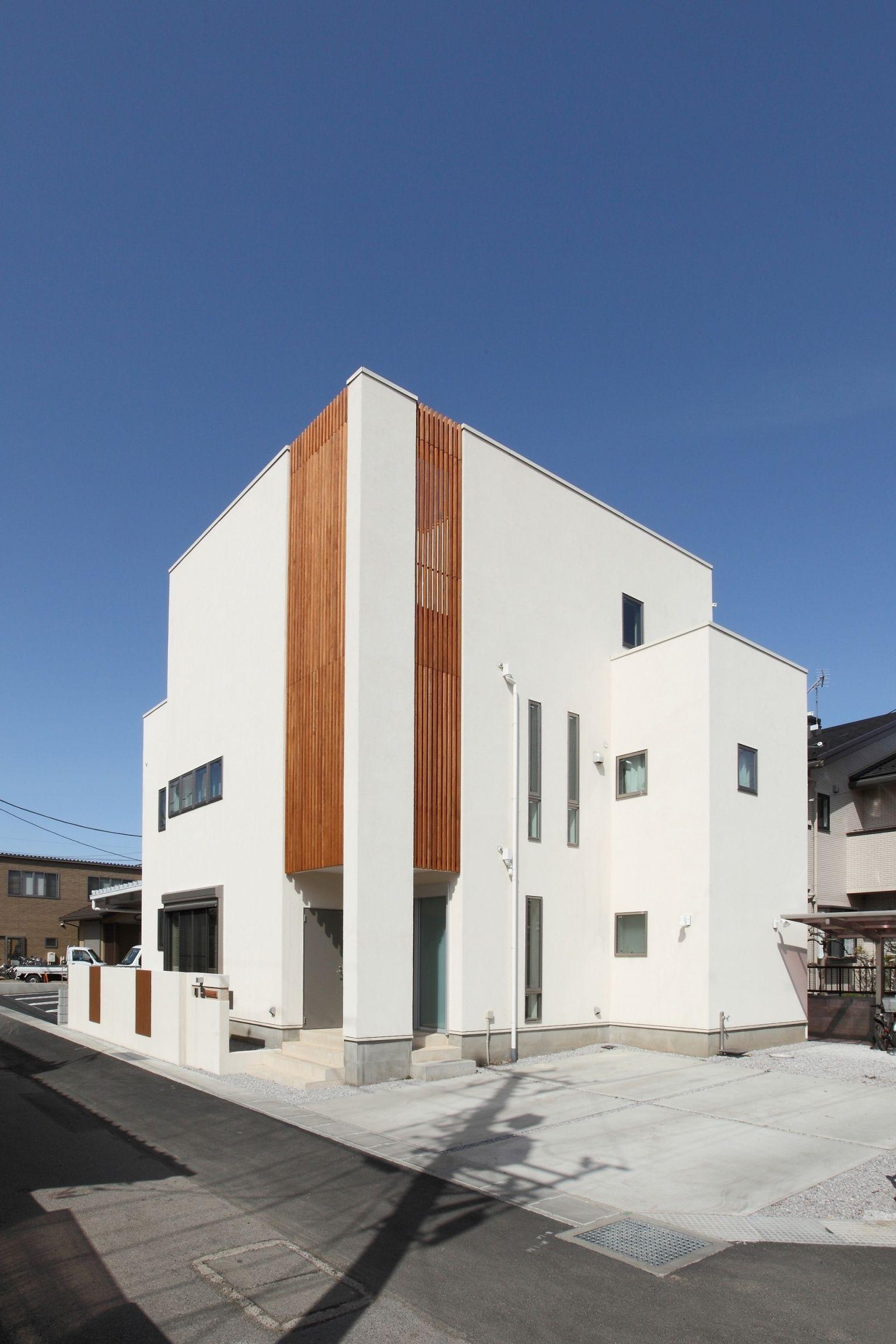 Se構法 3階建2世帯ハウス 木製ルーバーがアクセントの二世帯3階建て住宅 重量木骨の家 選ばれた工務店と建てる木造注文
