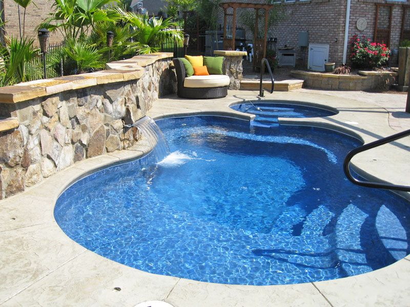 Viking-Pools-Malibu-modern-freeform-with-water-feature-pool ...