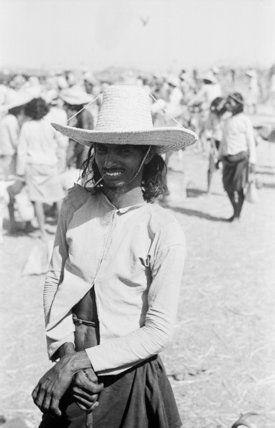 صور نادره من الجنوب مابين العامين 1945ـ 1947 م هوامير البورصة السعودية Rare Pictures Straw Hat Bertrams