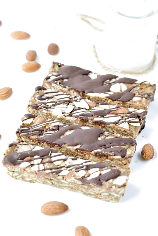 Low carb granola bars easy clean eating keto bars NO baking ! Creamy almond butter flaxseed meal chia seeds almonds coconut and more! 100% Sugar free gluten free paleo breakfast or snacksMore 15 Easy Keto   Breakfast Ideas #keto_recipes #low_carb_recipes #Keto_diet #TheKetogenicRecipe.Club #paleobreakfast #flaxseedmealrecipes