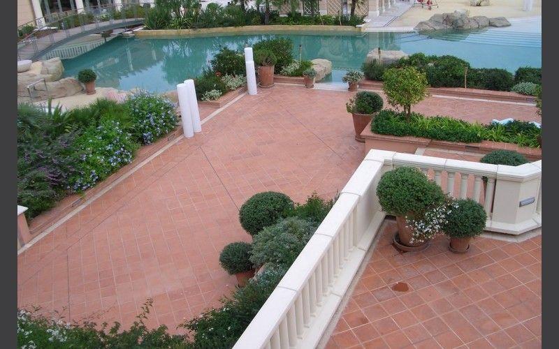 Plage de piscine Carrelage terre cuite exterieure Pinterest