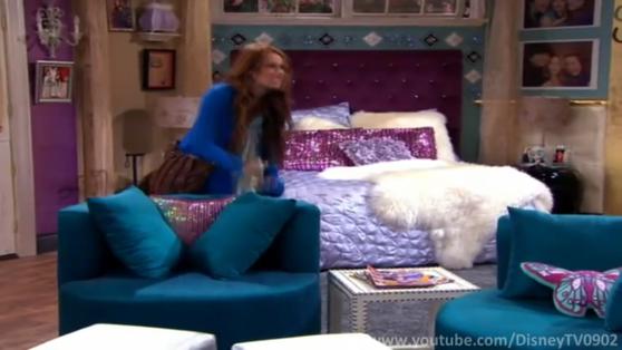 Miley's Bed in Hannah Montana Forever Hannah montana