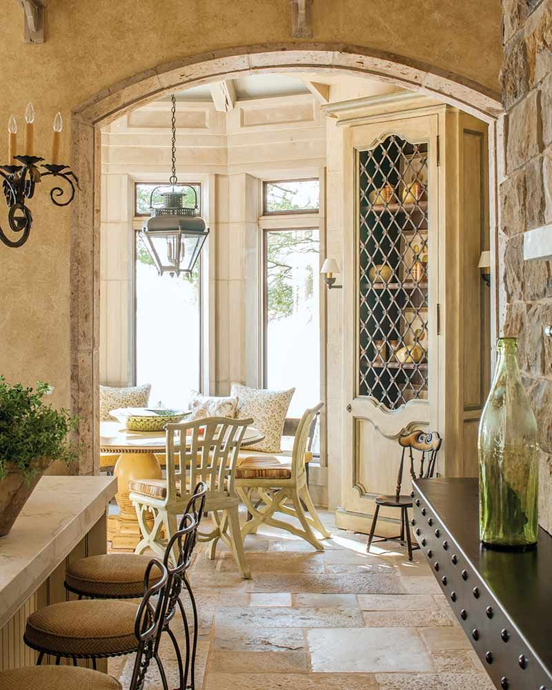 This La Cornue Range Is Right at Home in An Exquisite French-Style Chateau - Page 4 of 4 - Southern Home Magazine