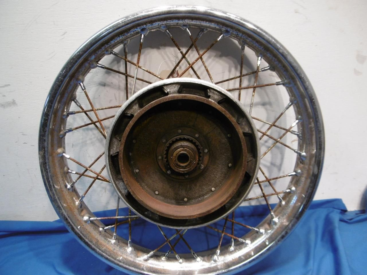http://motorcyclespareparts/bmw-2-rear-wheel-r69s-r602-r502