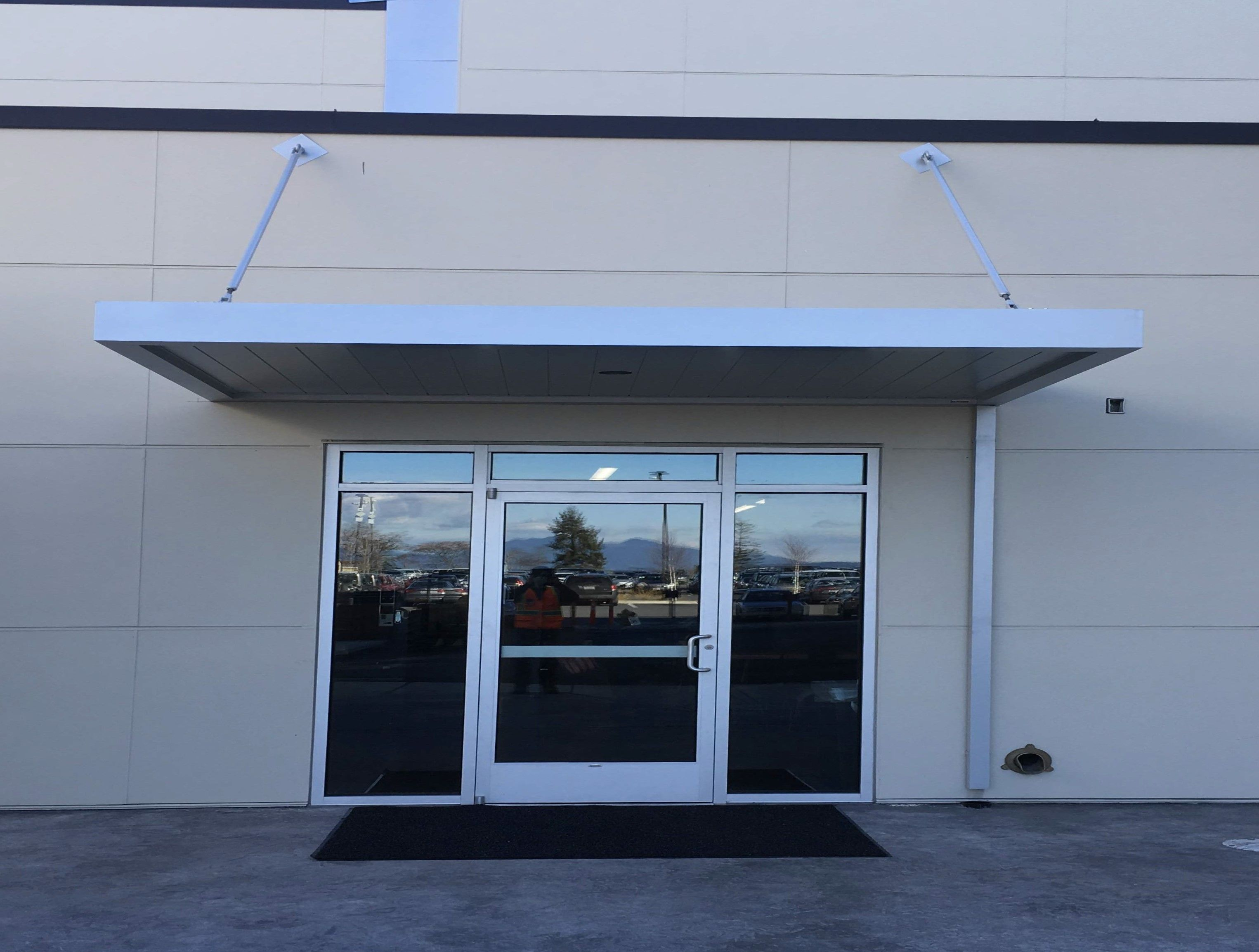 Masa Extrudeck Canopy With Lights And Downspout At Swinomish Casino In Anacortes Wa Architecture Design Metal Madeinam Awning Canopy Custom Canopy Canopy