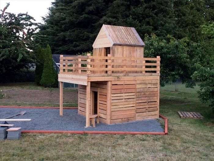 Easy Make Pallet Playhouse For Children Pallet Playhouse Pallet