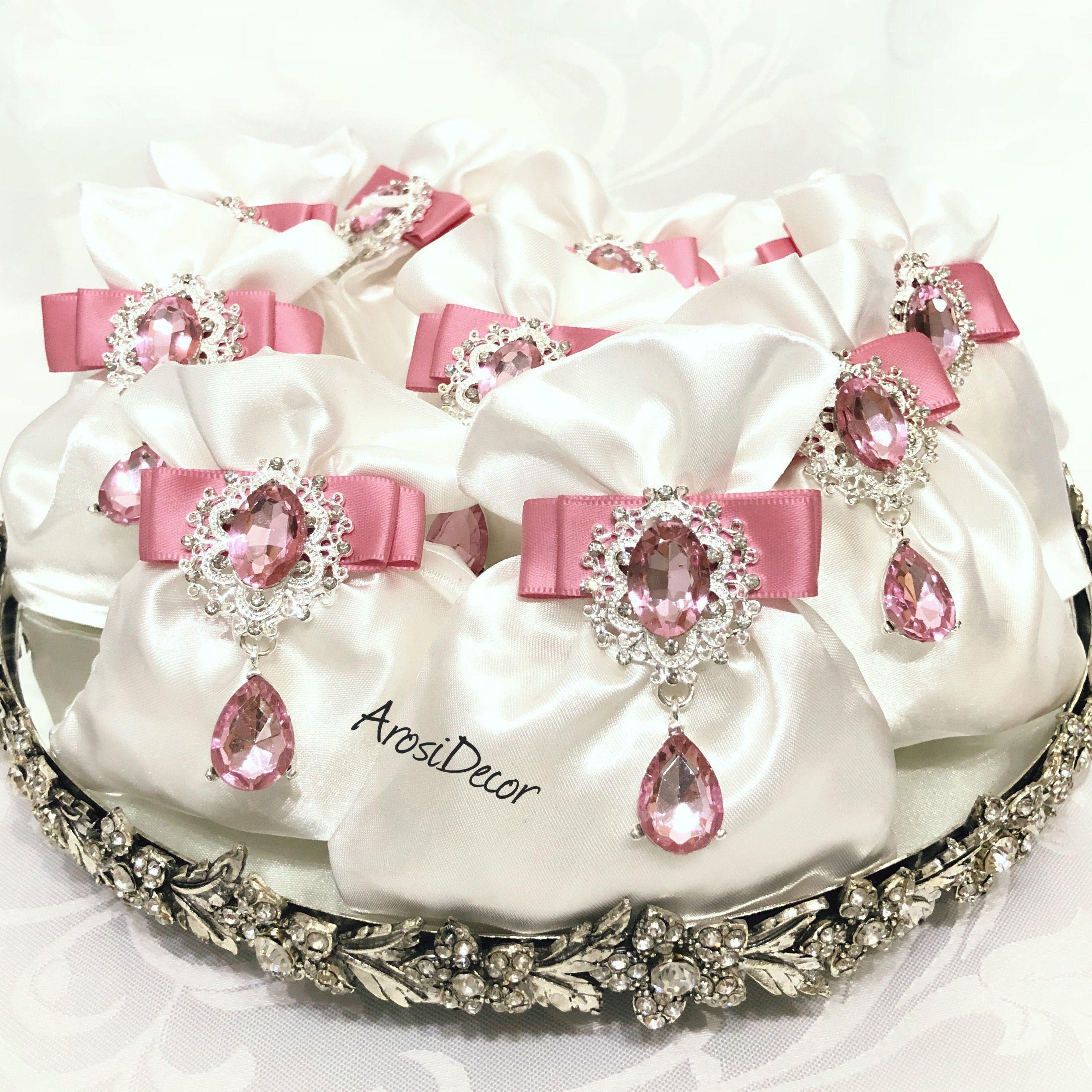 Luxury Wedding favour bags. #wedding #arosi #bride #weddingfavours ...