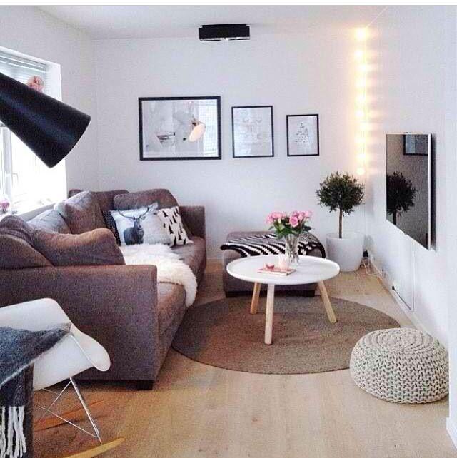 Sofa ohne Eck - stattdessen mit Hocker | Wohnen ...