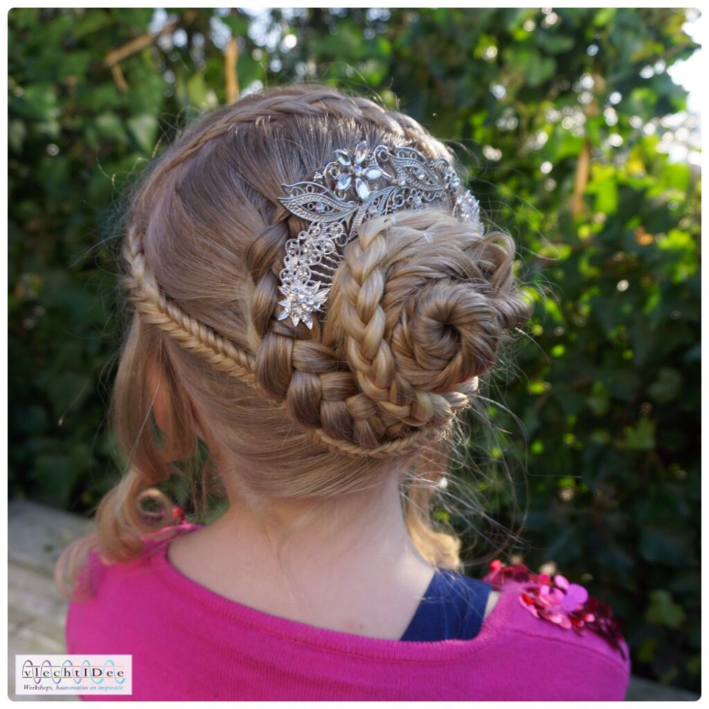 Spanish Inspired Updo Tutorial Is In The Link A Creation Made By