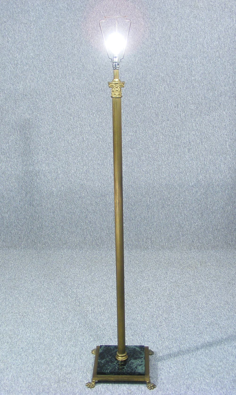 This Is A Fabulous Vintage Brass Standard Lamp Stand In The Neoclassical Style Fluted Corinthian Style Brass Column Standard Lamps Corinthian Capital Clawfoot