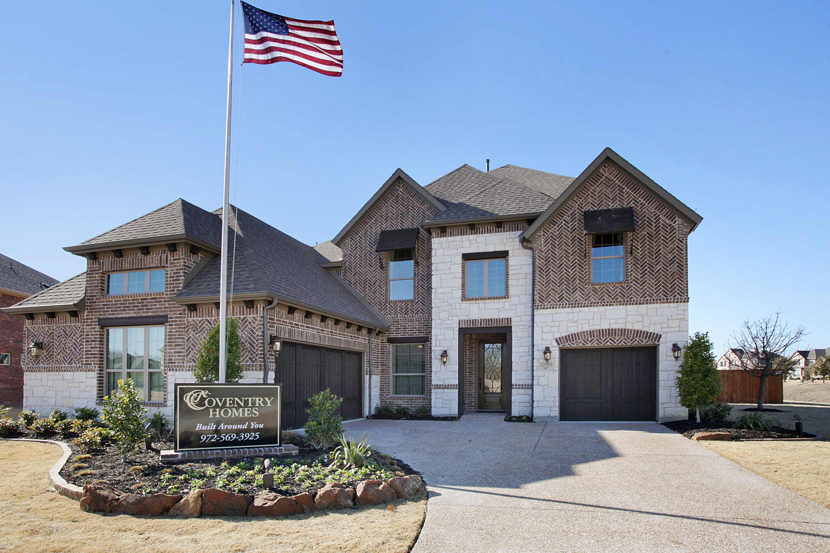 Brick And Stone Elevation On A Beautiful Coventry Home In Dallas Tx Http Www Coventryhomes Com Dallas Ft Worth Availa Coventry Homes House Styles New Homes
