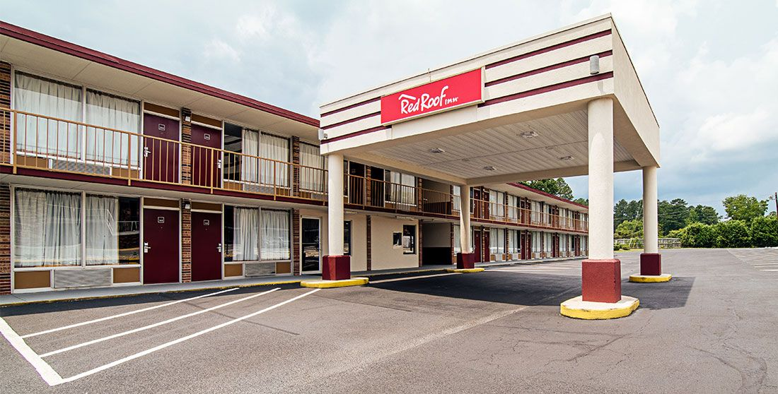 Cheap, Pet Friendly Hotel Red roof inn, House styles