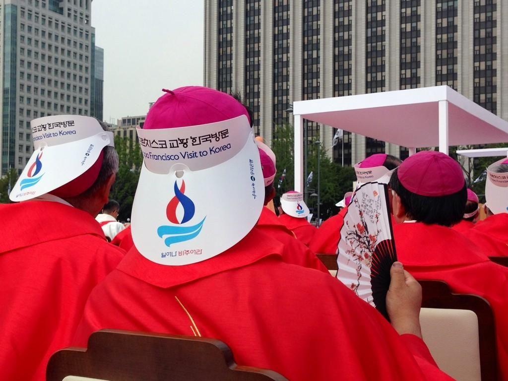 Pape François - Pope Francis - Papa Francesco - Papa Francisco : août 2014 – Voyage en Corée - https://twitter.com/antoniospadaro