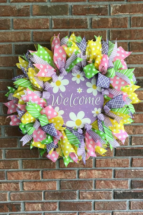 Photo of March wreaths & centerpieces from the Trendy Tree Marketing Group – Trendy Tree Blog | Holiday Decor Inspiration | Wreath tutorials | Christmas decorations | Mesh & ribbons