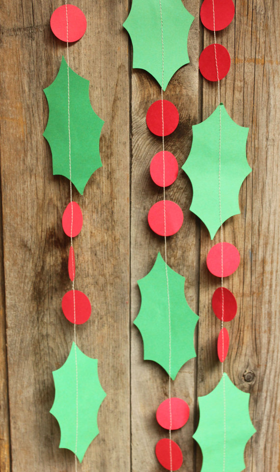 Holly Garland Paper Garland Christmas Decoration Christmas Etsy Christmas Garland Christmas Crafts Diy Christmas Colors